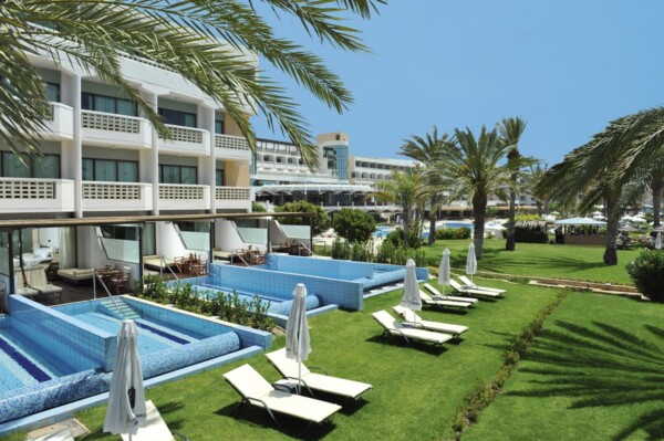 10 ATHENA BEACH HOTEL JUNIOR SUITES WITH PRIVATE POOL