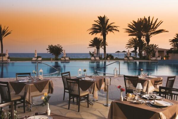 15 ATHENA BEACH HOTEL LEDA ITALIAN RESTAURANT