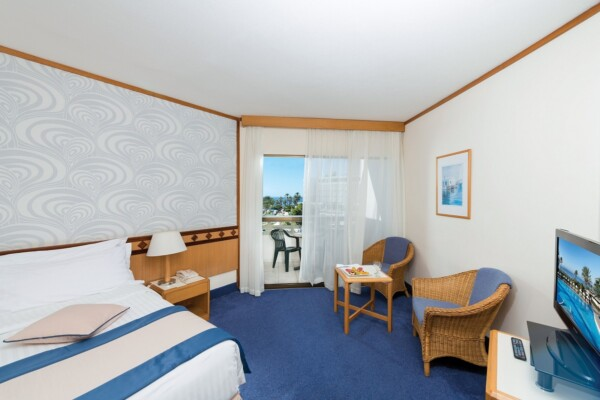 24 ATHENA BEACH HOTEL STANDARD ROOM LSV