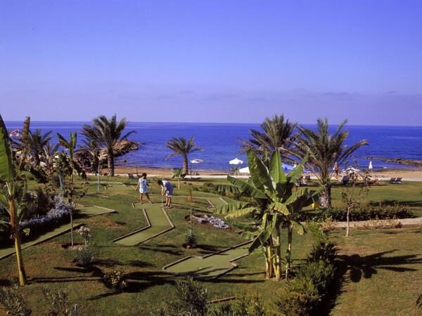 51 ATHENA BEACH HOTEL MINI GOLF