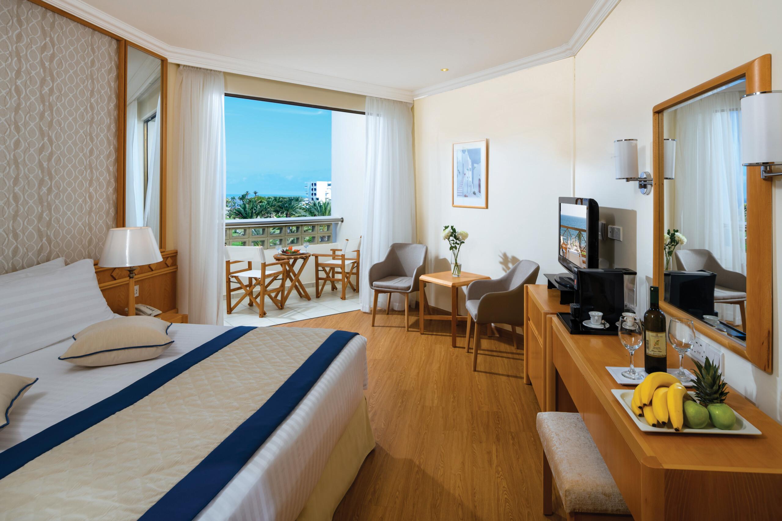 38 ATHENA BEACH HOTEL CLASSIC ROOM LSV