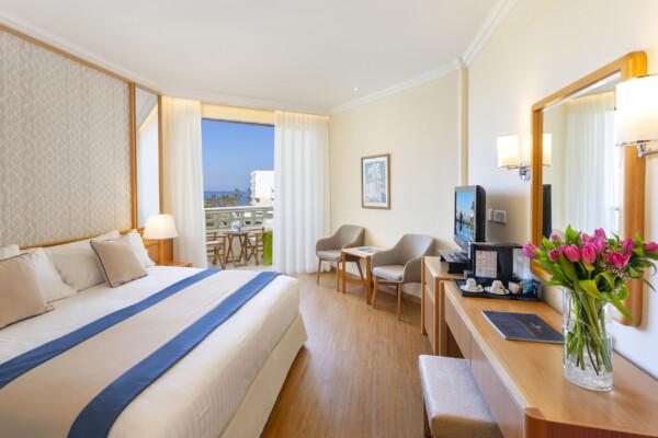 24.1 ATHENA BEACH HOTEL CLASSIC ROOM LSV