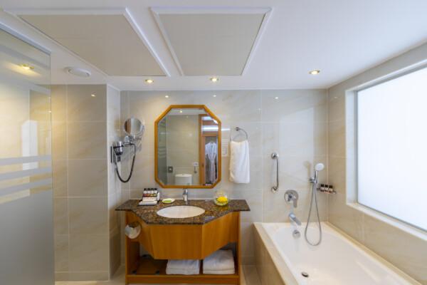 28.3 ATHENA BEACH HOTEL SUPERIOR DELUXE SV ROOM WITH BALCONY BATHROOM